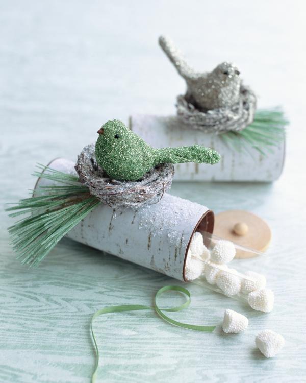 centre de table noël à faire soi-même vase rouleaux papier toilette