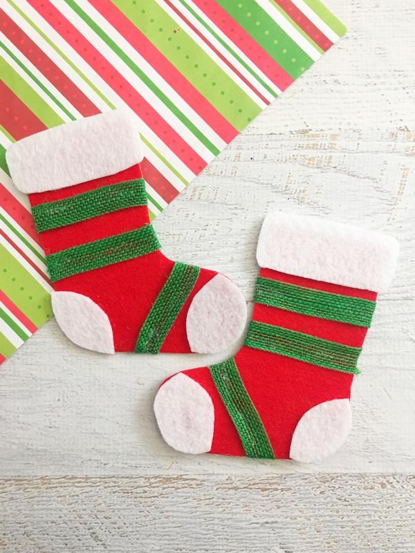 chaussette de Noël à fabriquer un ruban vert
