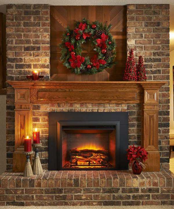 cheminée avec insert décorée pour Noël