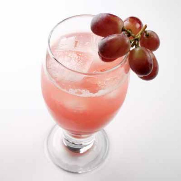cocktail Noël sans alcool soda au raisin frais