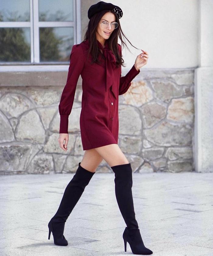 comment porter des cuissardes à talons hauts et une robe