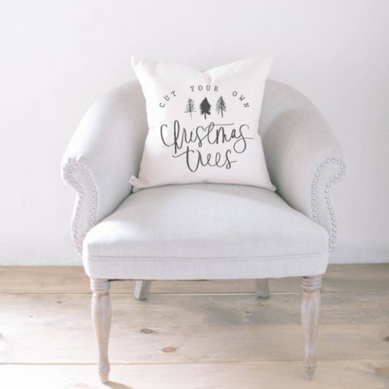 coussin Noël personnalisé fauteuil vintage