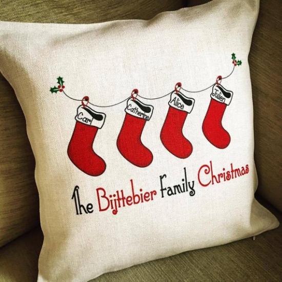 coussin Noël personnalisé quatre chaussettes