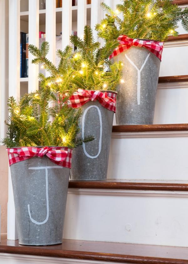 décoration escalier noël à faire soi-même