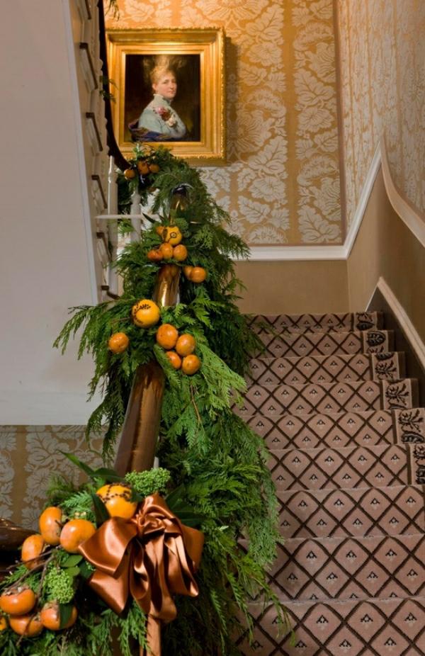 décoration escalier noël avec des fruits