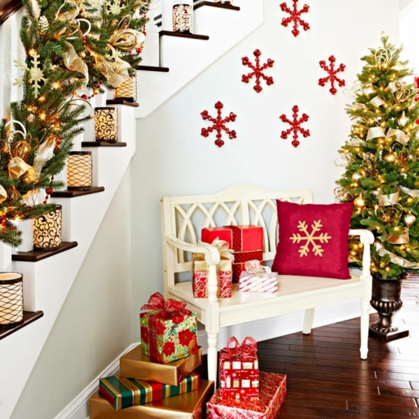 décoration escalier noël bougeoirs guirlandes lumineuses