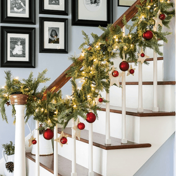 décoration escalier noël guirlande lumineuse