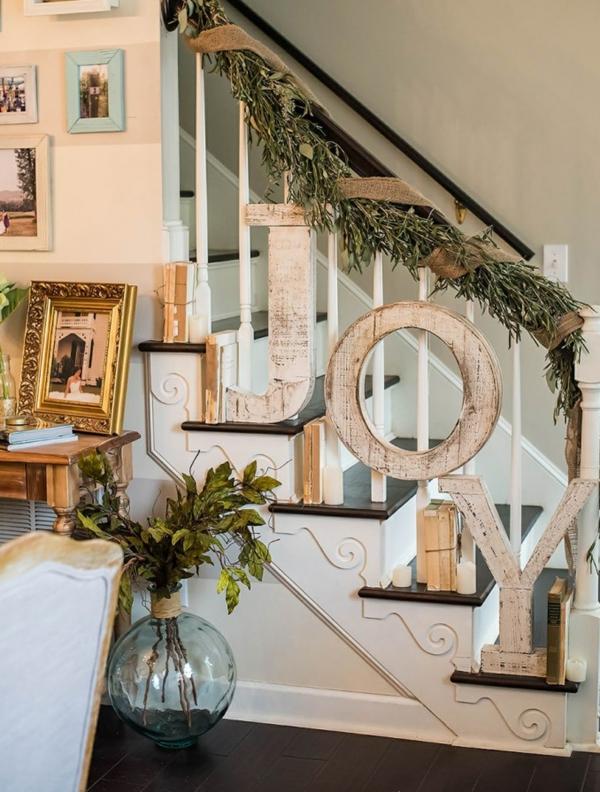 décoration escalier noël lettres en bois