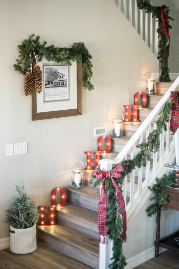 décoration escalier noël lettres lumineuses