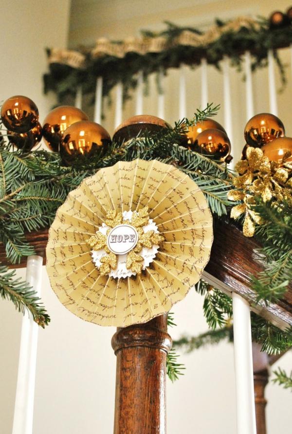 décoration escalier noël ornement en papier diy