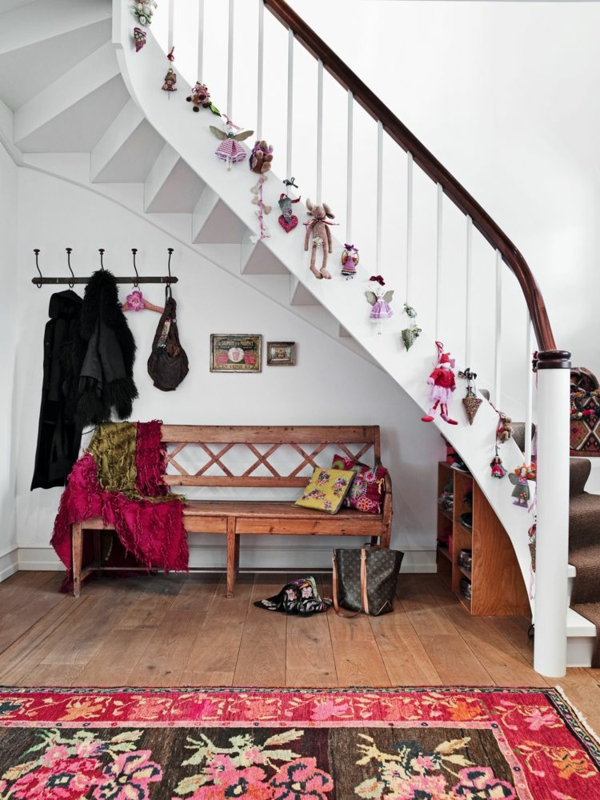 décoration escalier noël ornements en textile suspendus