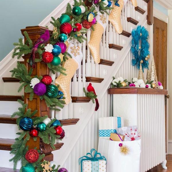 décoration escalier noël style traditionnel