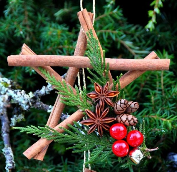 décorer son sapin de noël étoile bâtons de cannelle