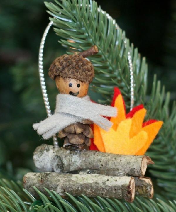 décorer son sapin de noël elfe de noël glands bois