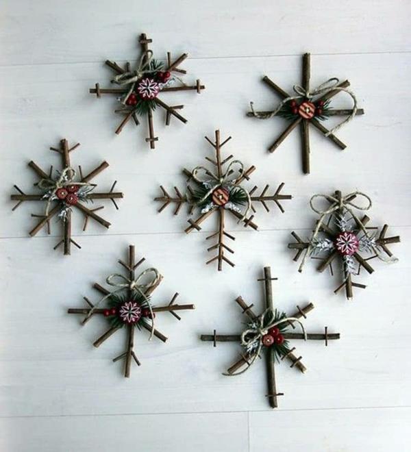 décorer son sapin de noël flocon de neige brindilles