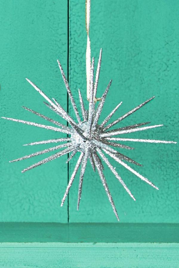 décorer son sapin de noël flocon de neige cure-dents