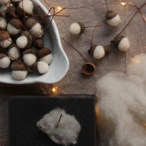 décorer son sapin de noël glands coton
