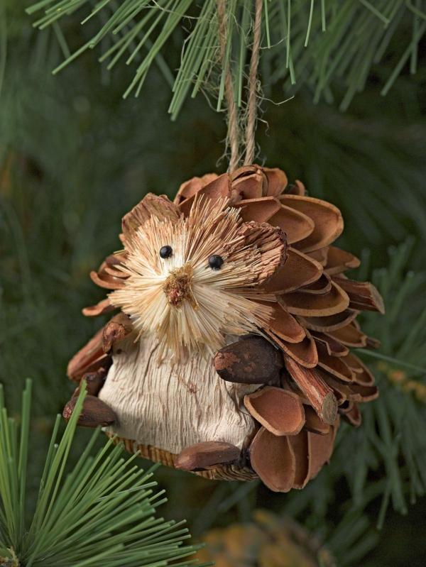 décorer son sapin de noël hérisson matériaux naturels