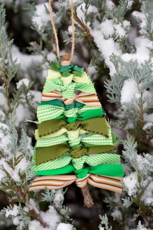décorer son sapin de noël ornement tissu bois