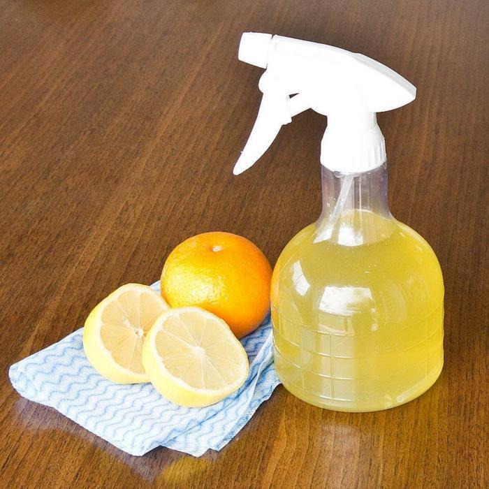 diy nettoyant avec des épluchures d'oranges et citrons