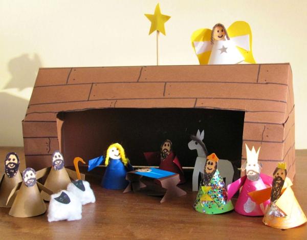fabriquer une crèche de Noël boîte en carton