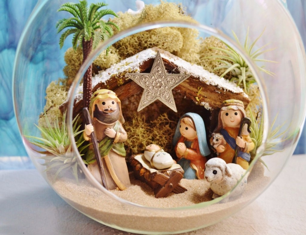 fabriquer une crèche de Noël comme terrarium