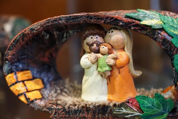 fabriquer une crèche de Noël personnages en plâtre