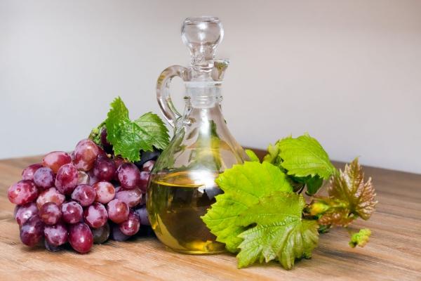 huile de pépins de raisin feuilles de vigne