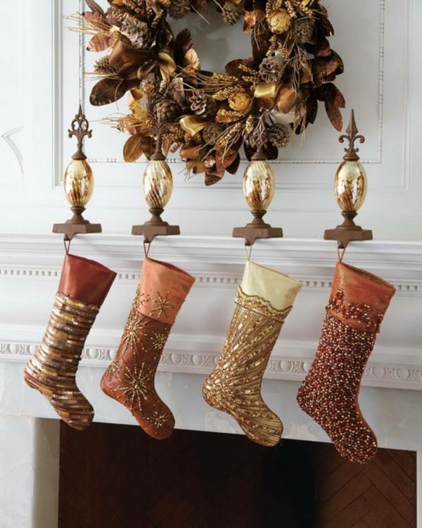 idée déco cheminée noël chaussettes de noël