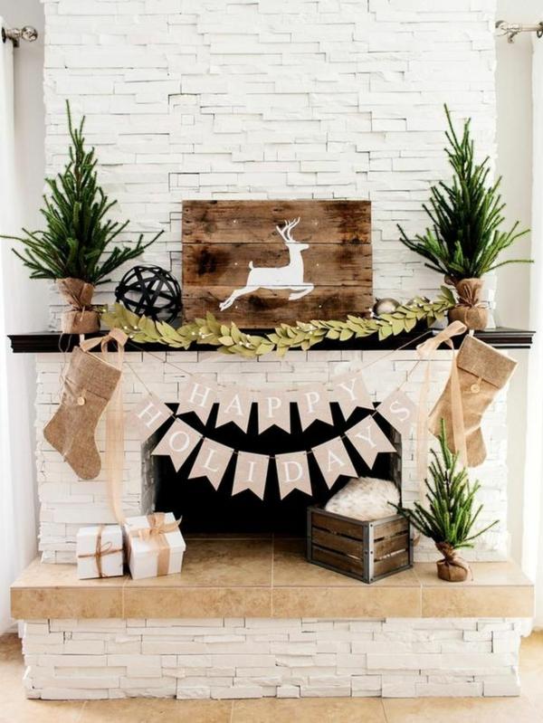 idée déco cheminée noël rustique en bois