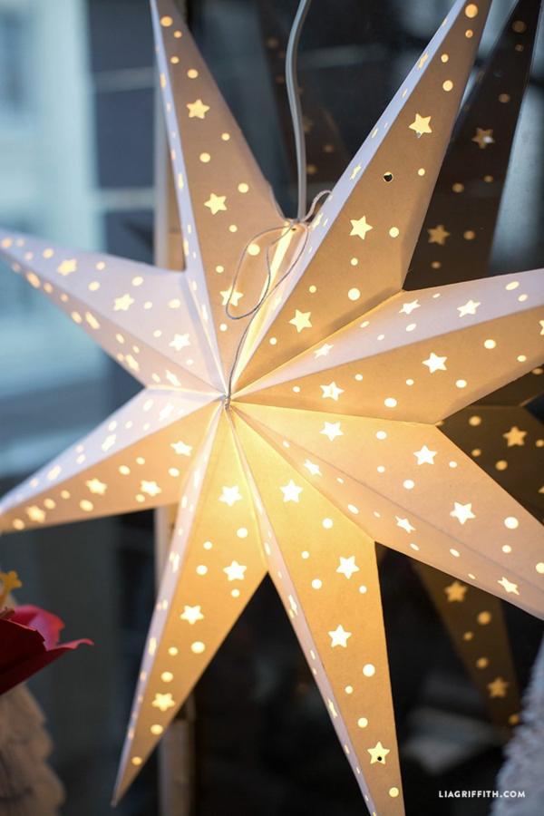 idée déco fenêtre noël étoile lumineuse