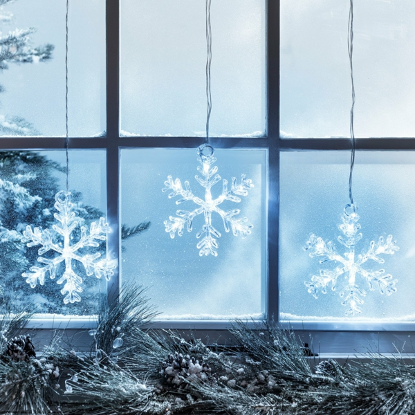 idée déco fenêtre noël flocons de neige en acrylic
