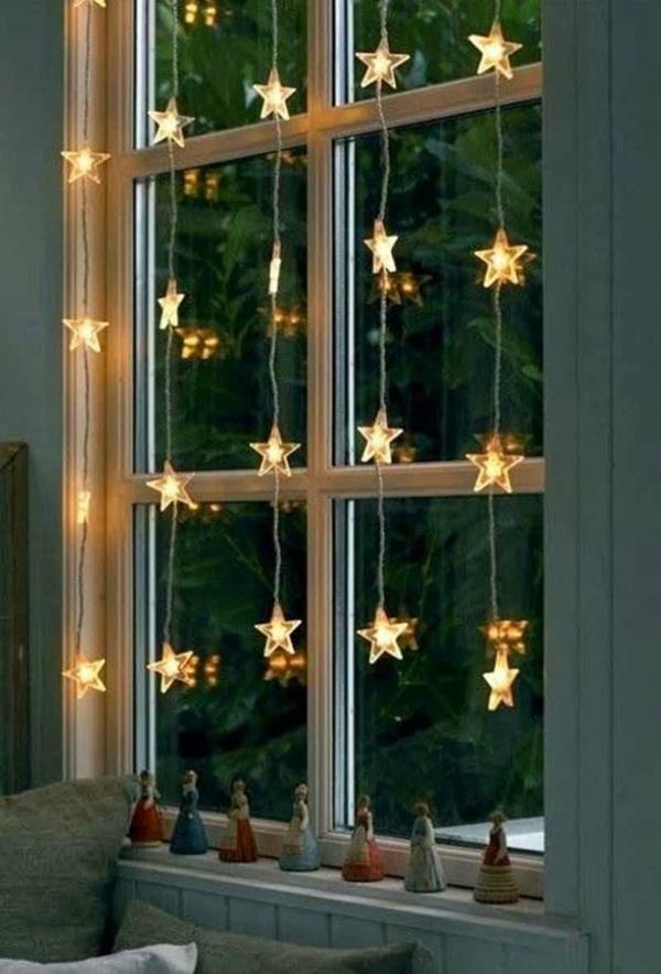 idée déco fenêtre noël guirlandes lampes led