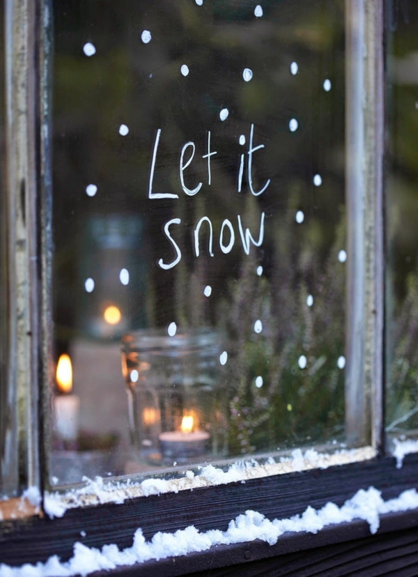 idée déco fenêtre noël peinture blanche pour fenêtre