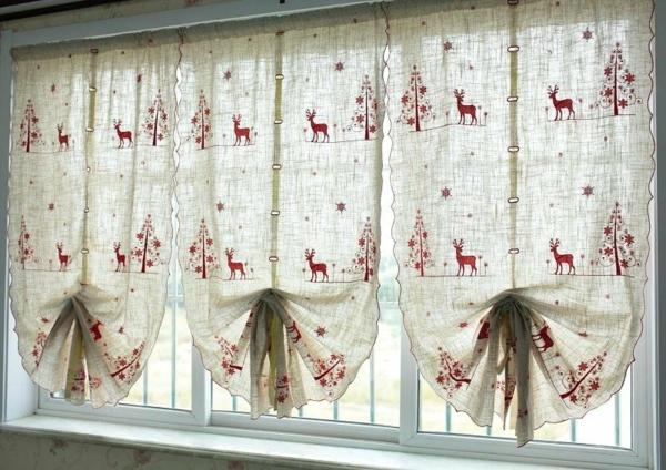 idée déco fenêtre noël rideaux thématiques