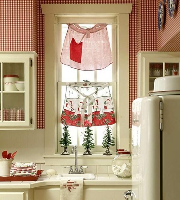 idée déco fenêtre noël tabliers de cuisine