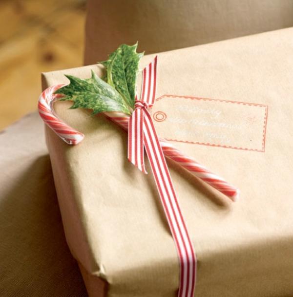 idée de déco canne de noël étiquette cadeau