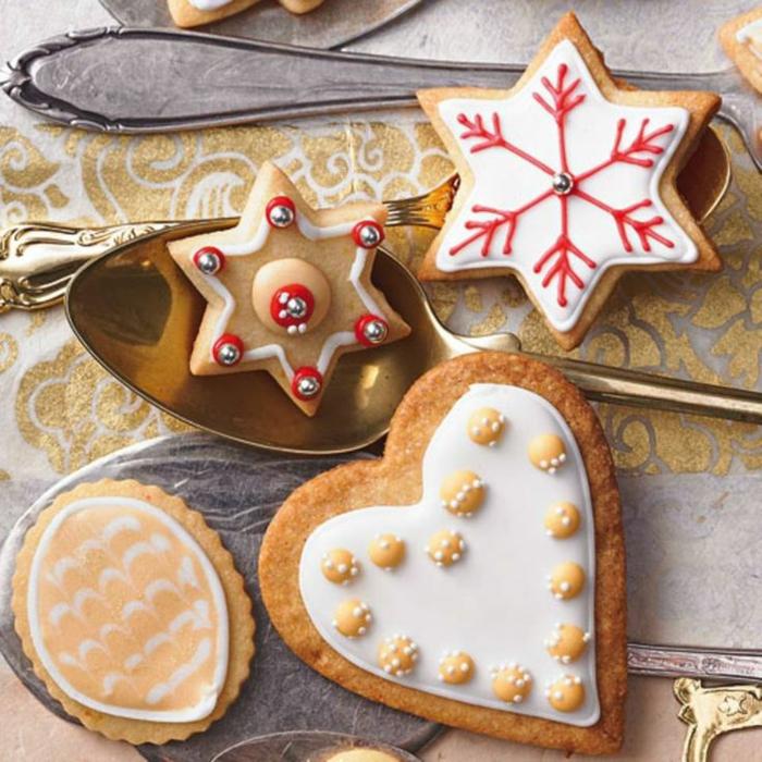 idée glaçage biscuit noël flocons de neige