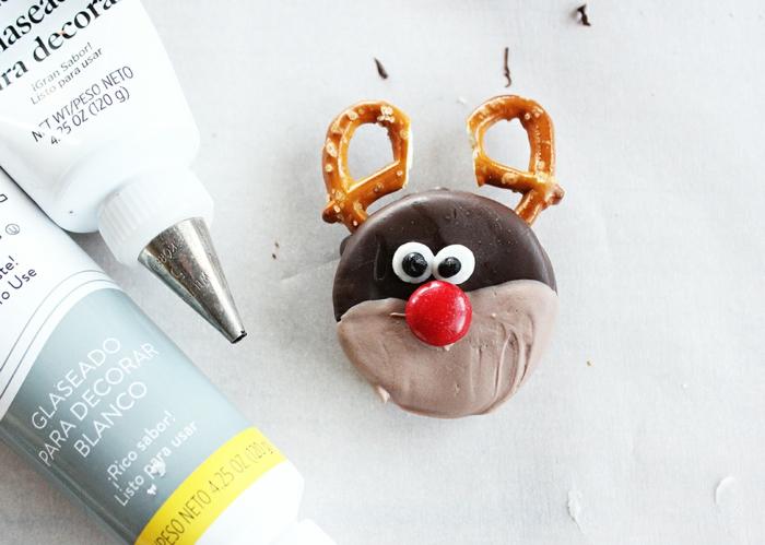 idée glaçage biscuit noël rudolph candy melts