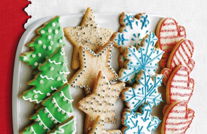 idée glaçage biscuit noël sapins étoiles flocons