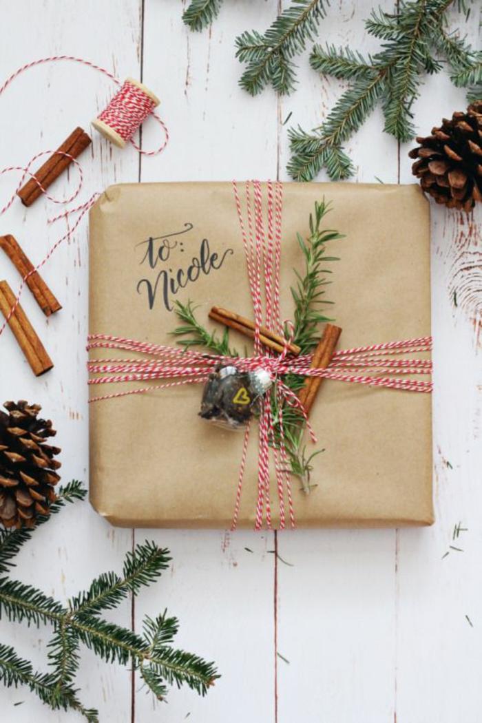 jolie décoration papier cadeau kraft pour noël