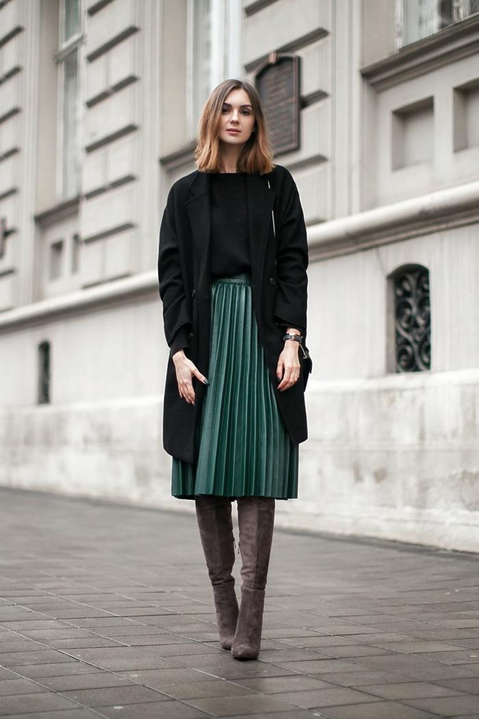 jupe plissée idée comment porter des cuissardes