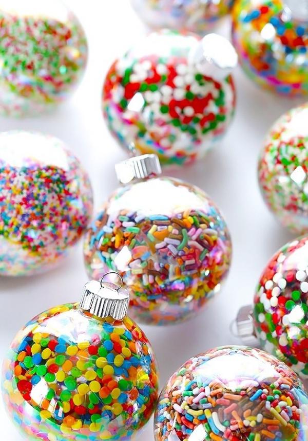mobile de Noël à fabriquer boules transparentes