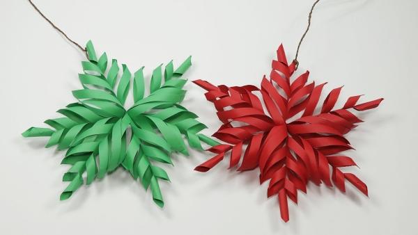 origami Noël flocon en couleurs vert et rouge
