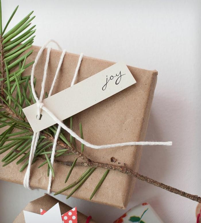 papier cadeau kraft emballage simple et stylé