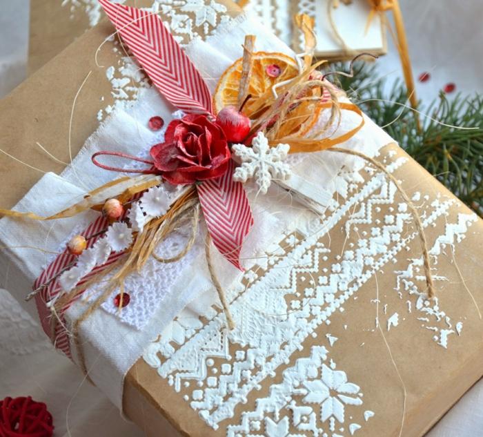 papier cadeau kraft pour un cadeau stylé