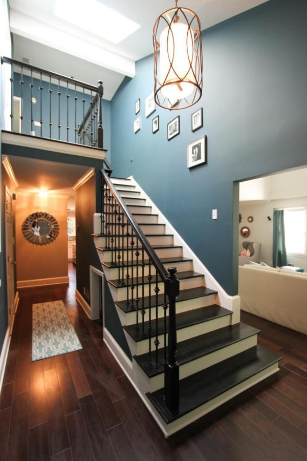 peinture bleu paon escalier peint en bleu