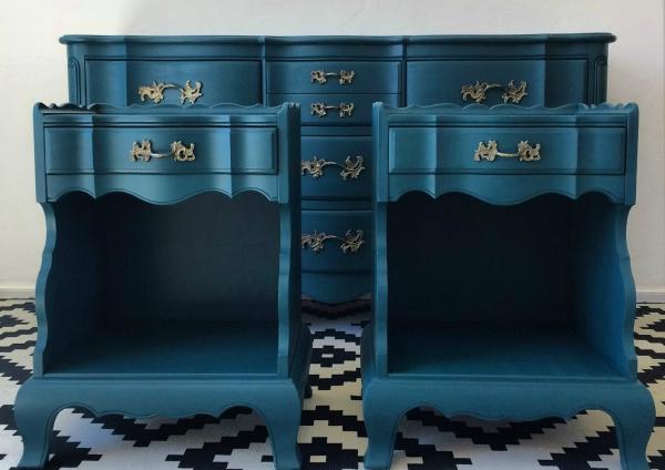 peinture bleu paon un meuble intéressant