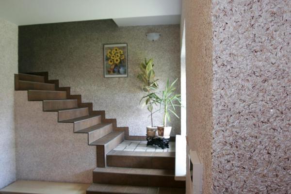 peinture pailletée un escalier décoré