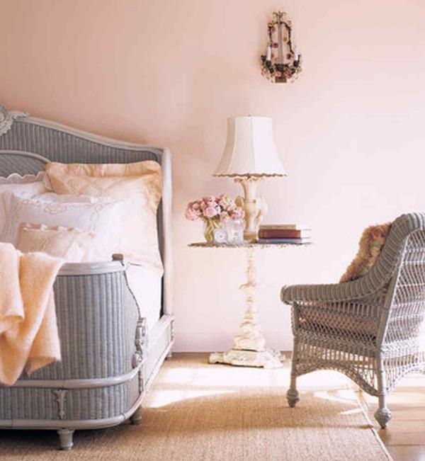 peinture rose poudré chaise tissée